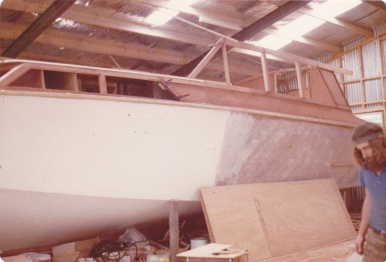 TIARRI UNDER CONSTRUCTION B JONES SHED MATAKANA 1979