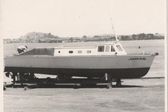 JAGUAR 70S