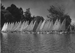 Easter Regatta, Hamilton Lake, 1949a