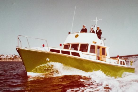 admirals-barge