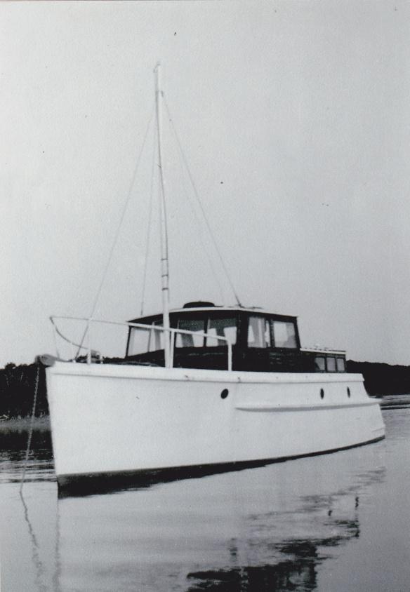 BUILT BY CHARLIE THOMASEN c1940s AT THAMES - 2