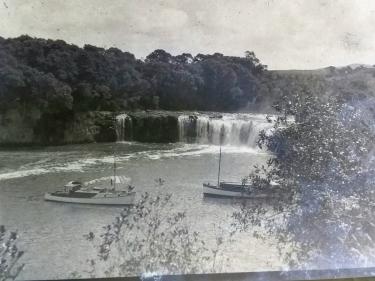 Alberta & Kiakoa - Haurura Falls, Waitangi