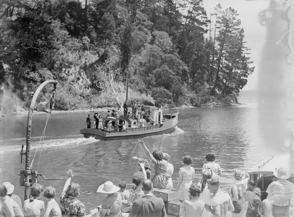 NANCIBEL - 223 - 1940s- MANSION HOUSE  BAY - T. COLLINS COLLECTION EX MUSEUM - I.D. PH-2013-7-TC-B808-07