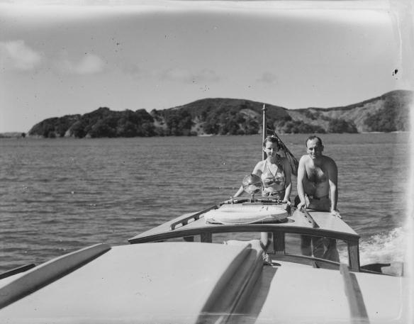ROBIN GAE - CONNIE V c1938