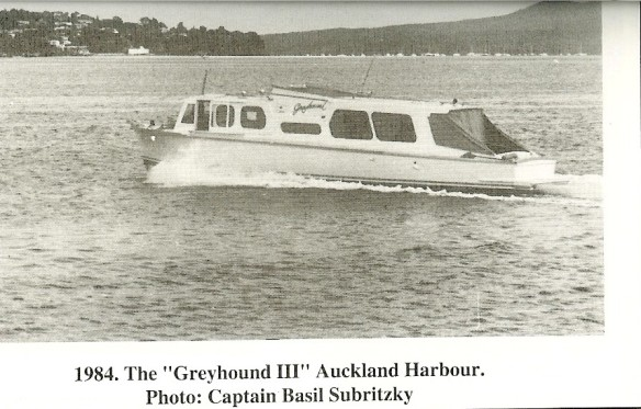 greyhound-in-the-tamaki-river-1984