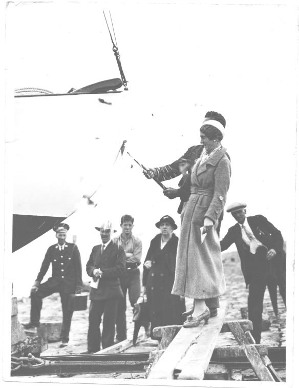 Yacht Quest Launching 1936 (2)