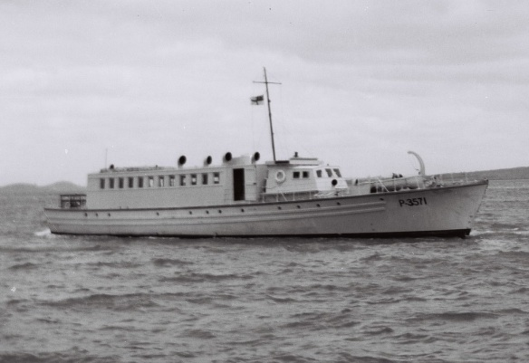 KAHU 4 -- HMNZS KAHU AS SEAGOING WORKSHOP c1950s