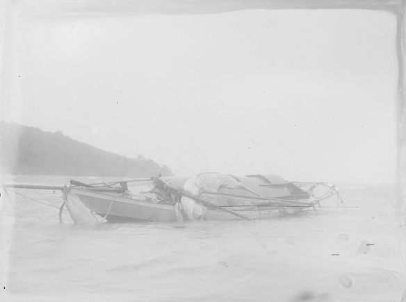 YACHT WRECK - BADDELEYS BAY -T.COLLINS a