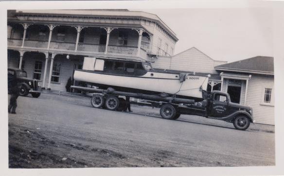 Boat_TruckHotel