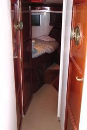 Cabin > forward